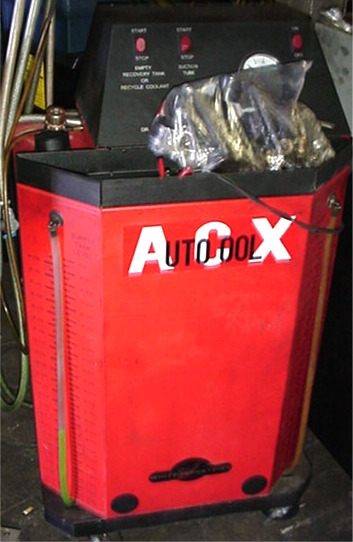 Radiator antifreeze recycler, flush and fill